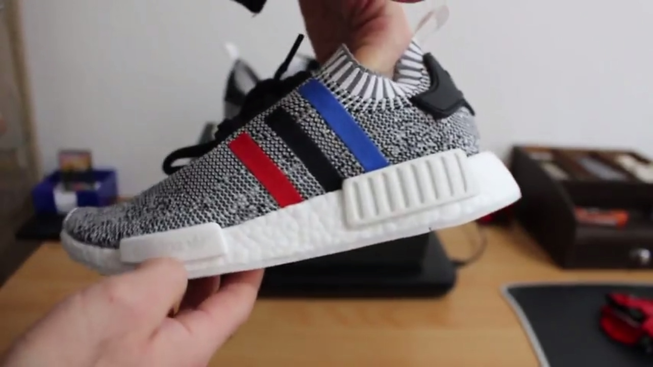 adidas nmd r1 tri color primeknit boost unboxing and review youtube. Black Bedroom Furniture Sets. Home Design Ideas