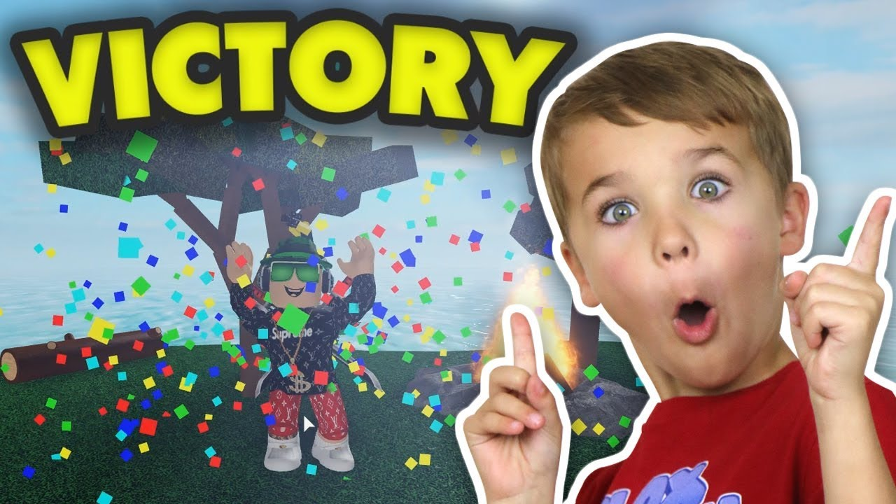 I SURVIVED AND WIN in ROBLOX VACATION STORY - YouTube