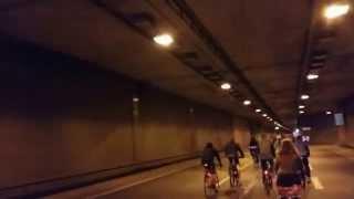 Wochenkurier Dresden - Critical Mass fährt durch Autotunnel
