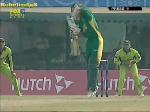 Kamran Akmal I DO NOT BELIEVE IT!!! CATCH OF HIS CAREER...... thumbnail