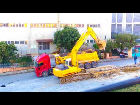 Kepçe Kamyona Kum Dolduruyor #kepçeler #kepçe çalışması#kepçe Videoları #kepçeler#fps#kepçeizle