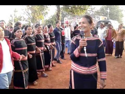 Điệu múa Xoan của dân tộc người Jrai.