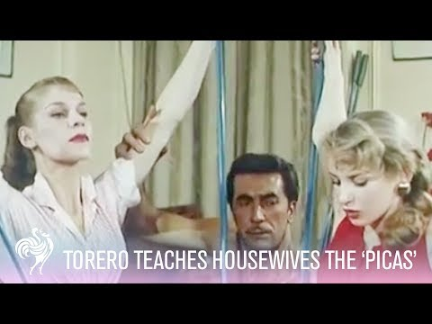 Topless Torero & Housewives Test Out New Invention 'Picas' (1956) | Vintage Fashion