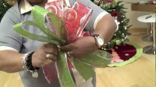 Repeat youtube video Taller de Decoración en Casa Febus: Cómo hacer un lazo o moño de Navidad