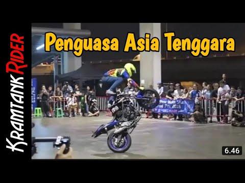 Salut, Aksi Sang Juara Wawan Tembong Angkat Pamor Yamaha YZF-R3