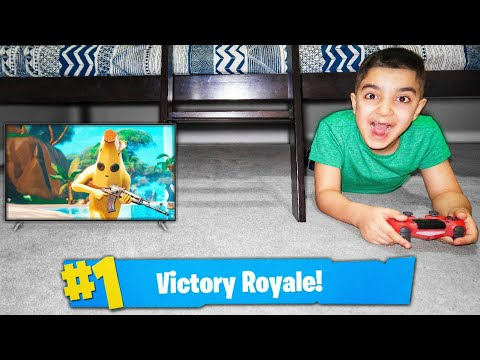 My Little Brother Plays Fortnite Under The Bed! (FORTNITE BED FORT CHALLENGE!)