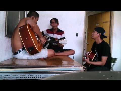 Pemuda idaman versi akustik