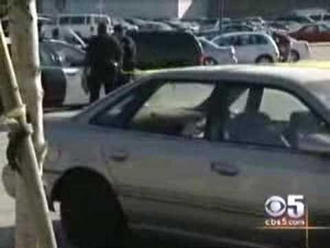 News - Oakland - Eastmont Mall Shooting - 2006