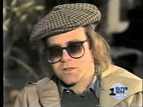 Elton John - Interview with Mike Douglas in Central Park during November of 1977