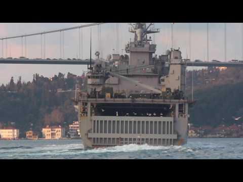 USS Carter transits Bosphorus