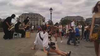"""BLOW in Paris (Pont Neuf): """"FUSS"""""""