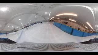 練習でもこのスピード感!1周約111mのスケートリンクを軽く流してもこんなに速い