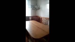 видео Кухонный уголок из массива натурального дерева