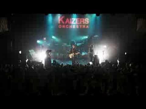 Kaizers Orchestra: Dr. Mowinckel (Live @ Vega)