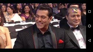 Dr Gulati Flirts Aishwarya Rai.Salman Laughing B Awards  2018 new year..must watch