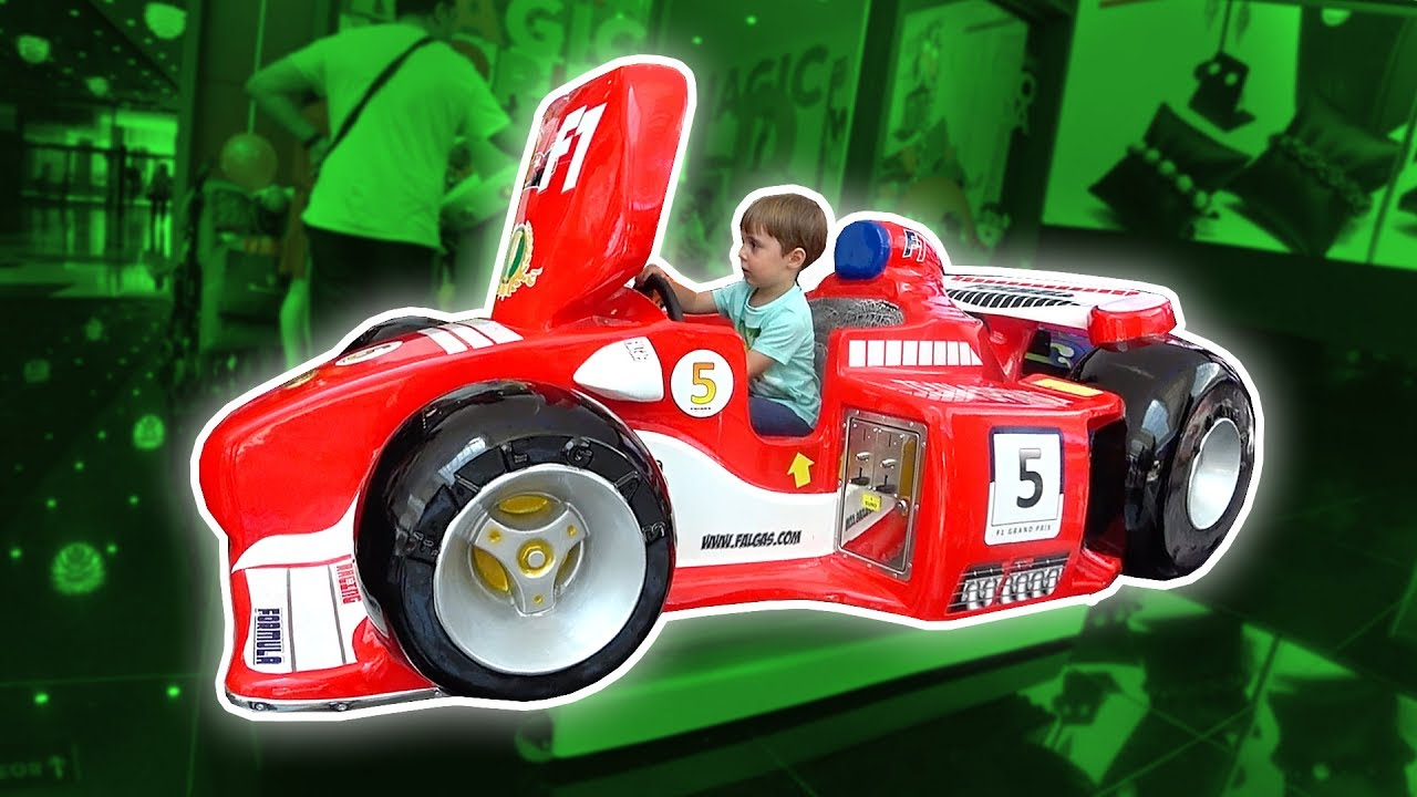 CARRO DE CORRIDA FORMULA 1 DE BRINQUEDO NO SHOPPING!! Formula 1 Toy Car Shopping Toys for Kids 