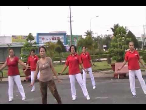 CLB.DS Công viên biểu diễn bài Nhịp điệu ChaChaCha
