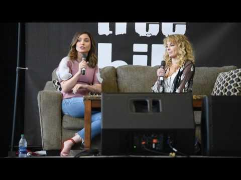 Sophia Bush & Ashley Rickards QnA - Eyecon Convention