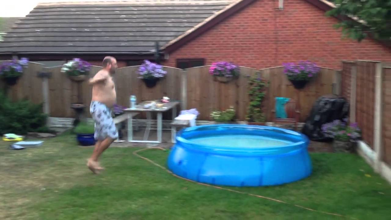Paddling pool dive epic fail youtube for Epic pool show