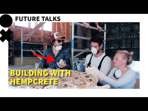 He is Building his Own Sustainable Tiny House with Hempcrete
