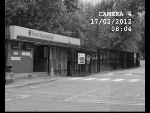 CCTV: Murdoch arrives for Wapping showdown