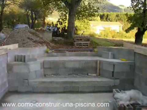 Construccion de la piscina parte 4 youtube for Piscina 8x4 escalera romana