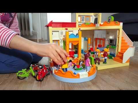 Playmobil spielen kita und wohnzimmer youtube for Wohnzimmer playmobil