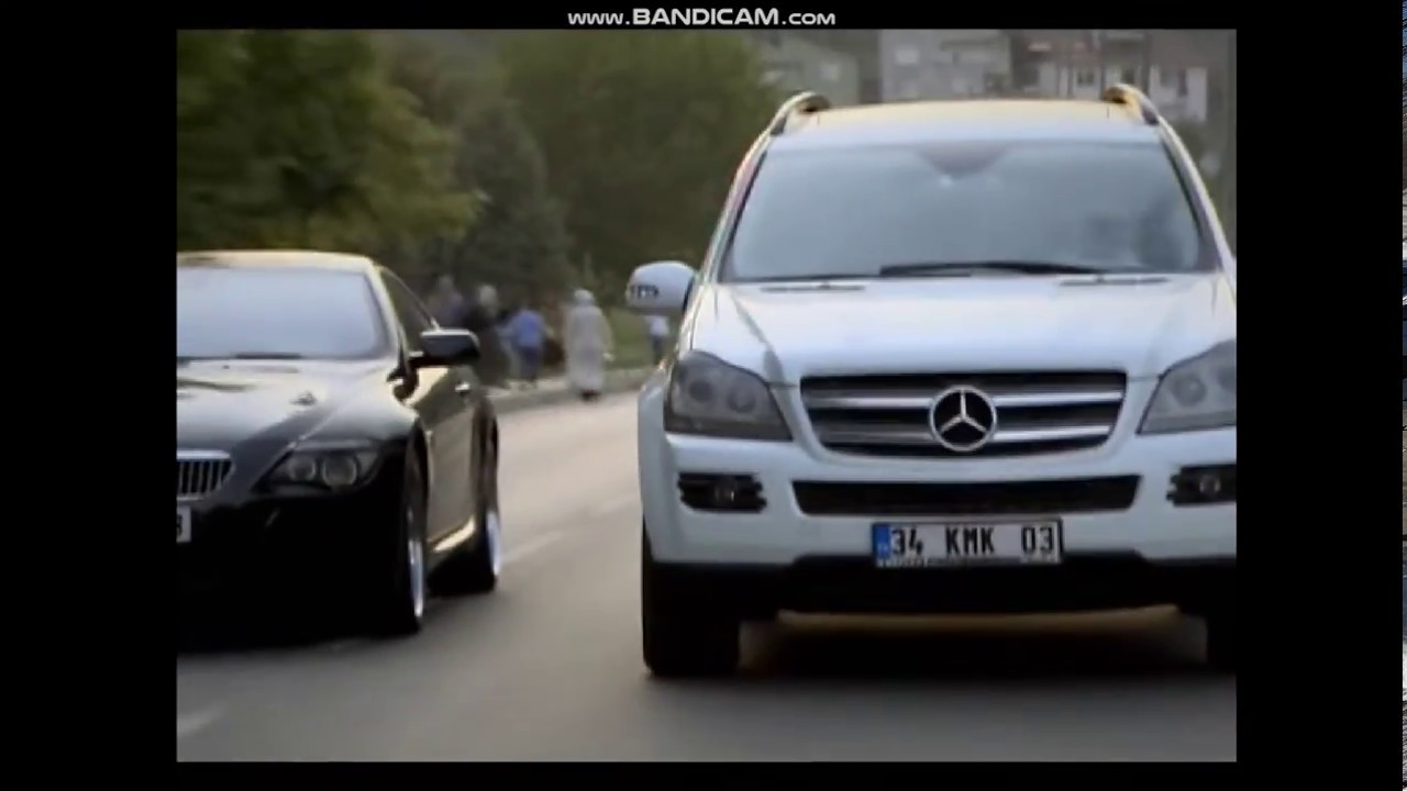 Küçük Sırlar Ayşegül Ve çetin Araba Sahnesi Youtube