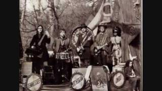 The Raconteurs - The Switch and the Spur
