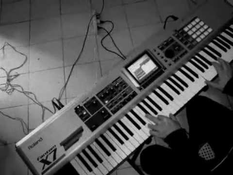 Exorcist Piano - Scary - Horror movie music
