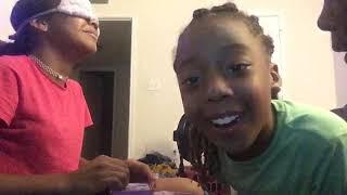 Do my make up blindfolded challenge