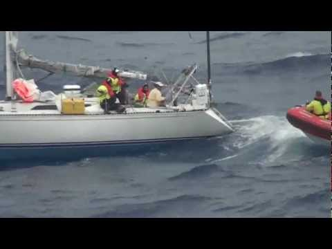 Norwegian Star rescues the Avenir sailboat in the Atlantic Ocean