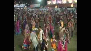 Radhe Raas Garba, Ahmedabad - 2011 - Jaykar Bhojak - Day 3 Part 3
