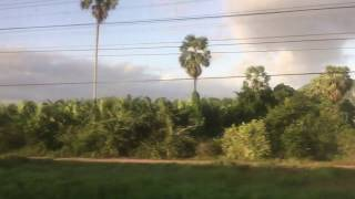 2020.1.2(木)7:09 マレーシア行タイ国鉄SE45列車【Phattma Lung駅到着前の風景】