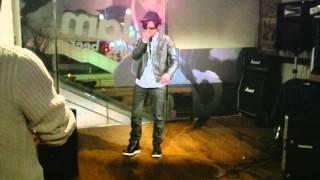 2012年3月3日(土)T-JamにてYABKING主催ライブ、MAX OUTの模様です。