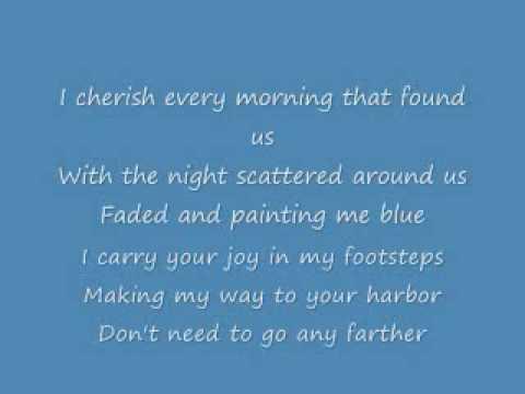 Gloria Estefan Wrapped (lyrics)