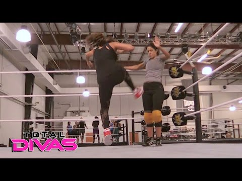 Nikki Bella trains with Bayley: Total Divas, May 3, 2017