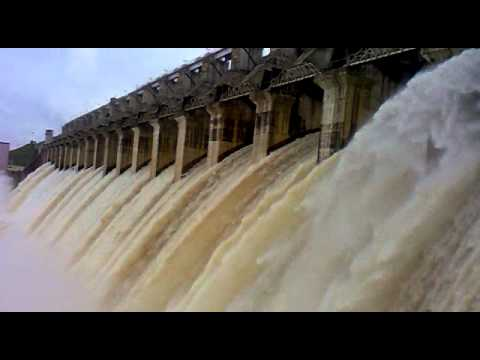 Bargi Dam (JAbalPur) while open all Gates by: saket