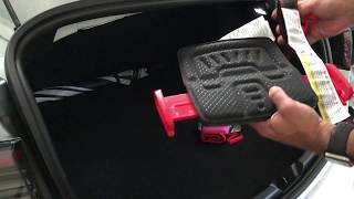 Mifold Booster Seats in a Tesla Model 3