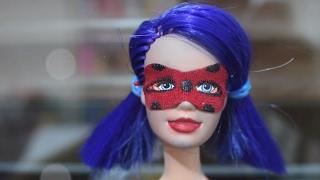 Barbie Mucize Uğur Böceği Maskesi ve İLGİNÇ Göz Makyajı Nasıl Yapılır? DIY- Eğlenceli Çocuk Videosu