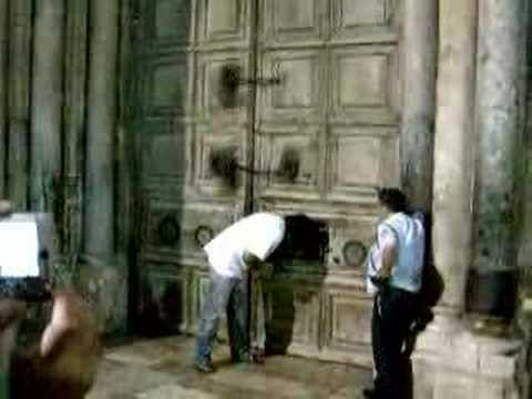 Sealing the Church of the Holy Sepulchre