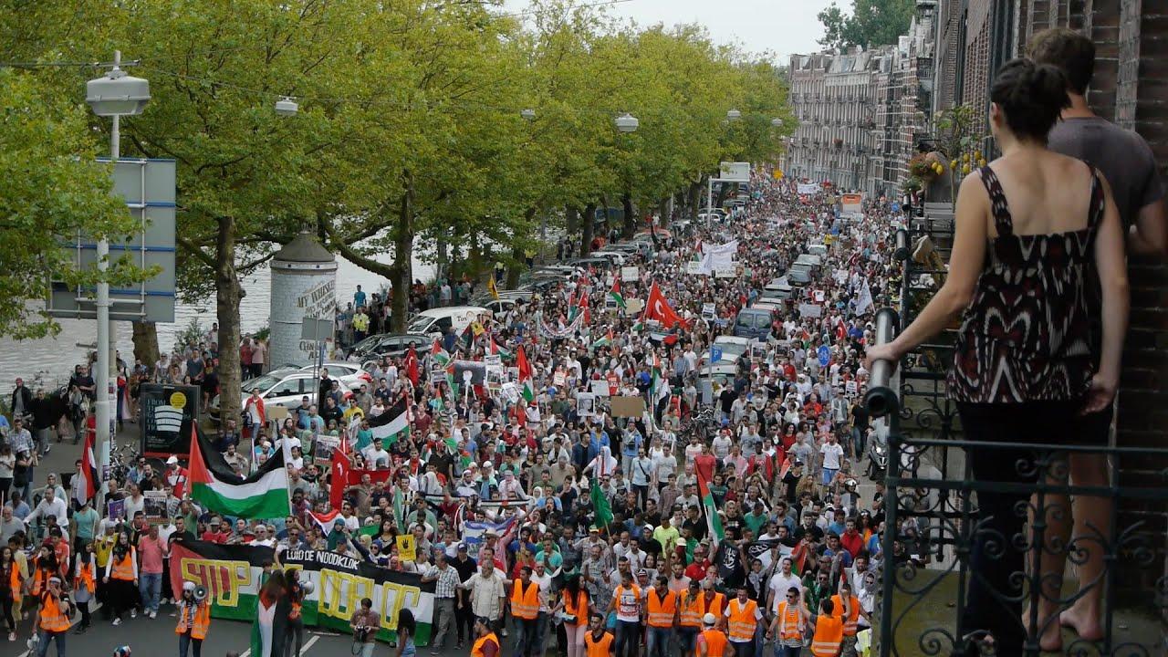 Amsterdam gaza solidarity demonstratie museumplein youtube for Demonstratie amsterdam