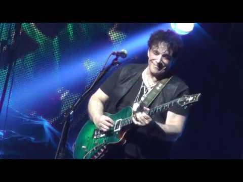 Journey 52118  13: Neal Schon Guitar Solo 2  Hartford, CT  Tour Opener