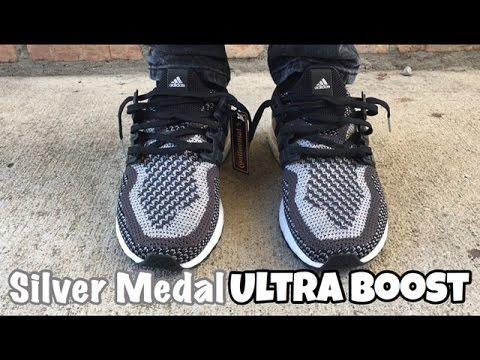 Gi y Adidas Ultraboost 4.0 Core Black N chính h ng 100