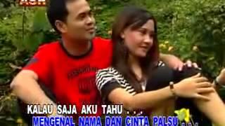 Video Caca Handika   Undangan Palsu   Karaoke No Vocal Version download MP3, 3GP, MP4, WEBM, AVI, FLV November 2018