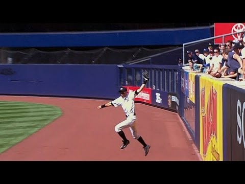 ichiro-uses-his-bat-and-glove-to-pave-way-to-win