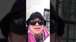 مغربية تحتج ضد القنصلية الروسية بنيويورك بسبب مجازر حلب وتصف بوتين بالمجرم