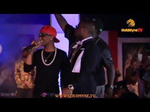 WATCH: WIZKID AND DAVIDO PERFORM TOGETHER ON STAGE AT 'AT THE CLUB WITH REMY MARTIN' GRAND FINALE