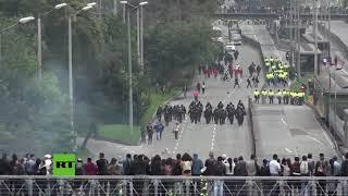 Fuertes disturbios durante una protesta de 15 mil estudiantes en Bogotá