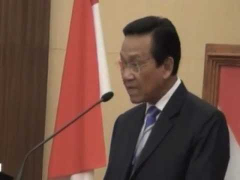 02 Sidang Pleno Sri Sultan Hamengkubuwono